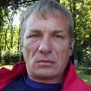 Den, 43 года